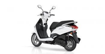 2018-Yamaha-D'elight-125-EU-Milky-White-Studio-005