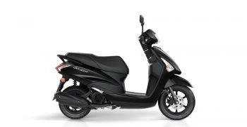2018-Yamaha-D'elight-125-EU-Power-Black-Studio-002