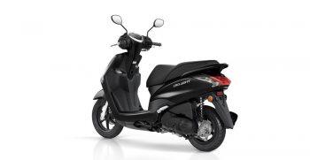 2018-Yamaha-D'elight-125-EU-Power-Black-Studio-005