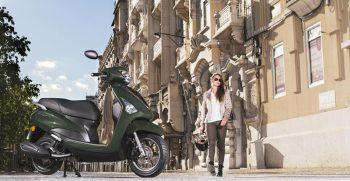 2018-Yamaha-D'elight-125-EU-Velvet-Green-Static-003
