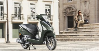 2018-Yamaha-D'elight-125-EU-Velvet-Green-Static-004