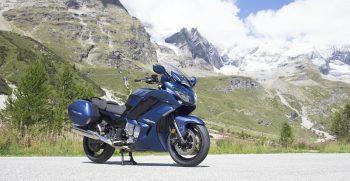 2018-Yamaha-FJR1300AS-EU-Phantom-Blue-Static-001