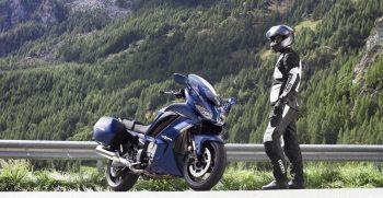 2018-Yamaha-FJR1300AS-EU-Phantom-Blue-Static-002