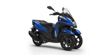 2018-Yamaha-MW125-EU-Cyber_Blue-Studio-001-03_Mobile