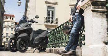2018-Yamaha-MW125-EU-Matt_Grey-Static-002-03