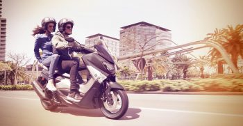 2018-Yamaha-NMAX-EU-Matt-Grey-Action-003