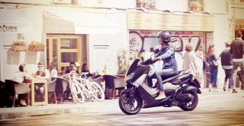 2018-Yamaha-NMAX-EU-Matt-Grey-Action-004