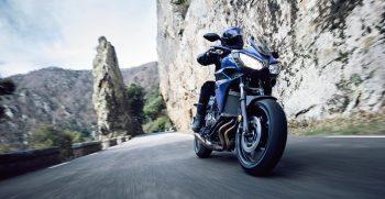 2018-Yamaha-Tracer-700-EU-Phantom-Blue-Action-001