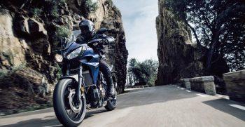 2018-Yamaha-Tracer-700-EU-Phantom-Blue-Action-002