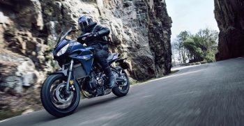 2018-Yamaha-Tracer-700-EU-Phantom-Blue-Action-003