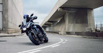 2018-Yamaha-Tracer-700-EU-Phantom-Blue-Action-007