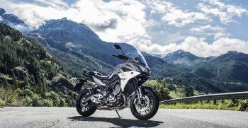 2018-Yamaha-Tracer-900-EU-Nimbus-Grey-Static-002