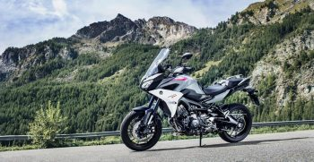 2018-Yamaha-Tracer-900-EU-Nimbus-Grey-Static-003