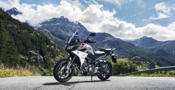 2018-Yamaha-Tracer-900-EU-Nimbus-Grey-Static-005
