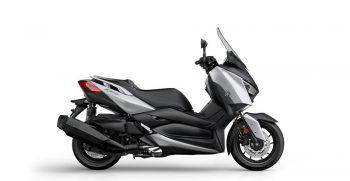 2018-Yamaha-X-MAX-400-EU-Blazing-Grey-Studio-002
