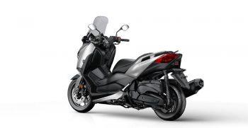 2018-Yamaha-X-MAX-400-EU-Blazing-Grey-Studio-005