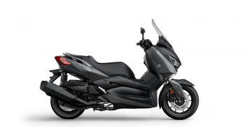 2018-Yamaha-X-MAX-400-EU-Sonic-Grey-Studio-002