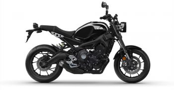 2018-Yamaha-XSR900-EU-Midnight-Black-Studio-002