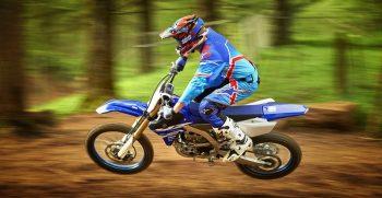 2018-Yamaha-YZ250F-EU-Racing-Blue-Action-005