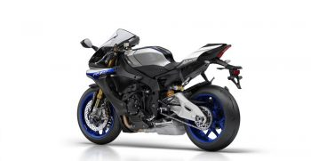 2018-Yamaha-YZF-R1M-EU-Silver-Blu-Carbon-Studio-005
