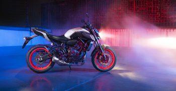 2019-Yamaha-MT07-EU-Ice_Fluo-Static-003-03