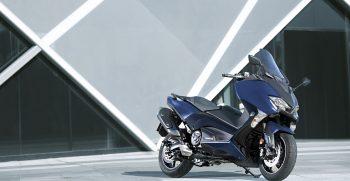 2019-Yamaha-XP500ASP-EU-Phantom_Blue-Static-001-03