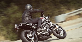 2019-Yamaha-XS850-EU-Matt_Grey-Action-005
