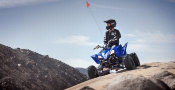 2019-Yamaha-YFZ450R-EU-Racing_Blue-Action-001-03