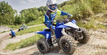 2019-Yamaha-YFZ50-EU-Racing_Blue-Action-005-03