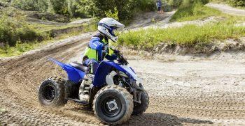 2019-Yamaha-YFZ50-EU-Racing_Blue-Action-008-03