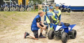 2019-Yamaha-YFZ50-EU-Racing_Blue-Static-003-03