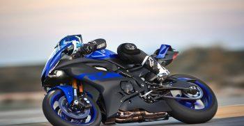 2019-Yamaha-YZF600R6-EU-Yamaha_Blue-Action-004