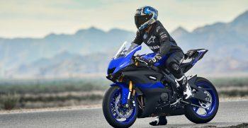 2019-Yamaha-YZF600R6-EU-Yamaha_Blue-Static-002