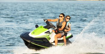 2020-Yamaha-EXDELUXE-EU-Black_with_Lime_Green-Action-004-03