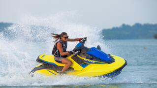 2020-Yamaha-EXR-EU-Lime_Yellow_with_Azure_Blue-Action-001-03_Thumbnail