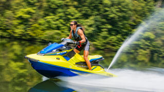 2020-Yamaha-EXR-EU-Lime_Yellow_with_Azure_Blue-Action-003-03_Thumbnail