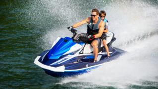 2020-Yamaha-VXCRUISERHO-EU-Yacht_Blue_with_Azure_Blue-Action-003-03_Thumbnail