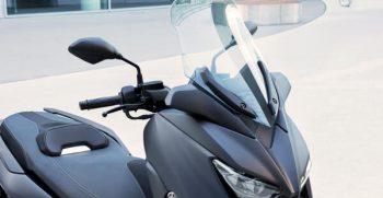 2020-Yamaha-XMAX400-EU-Detail-001-03_Mobile