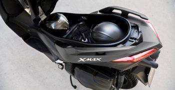 2020-Yamaha-XMAX400-EU-Detail-006-03_Mobile