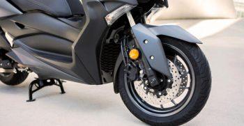 2020-Yamaha-XMAX400-EU-Detail-007-03_Mobile