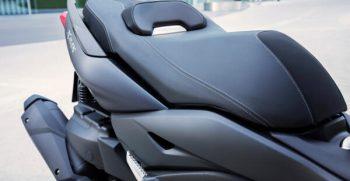 2020-Yamaha-XMAX400-EU-Detail-008-03_Mobile