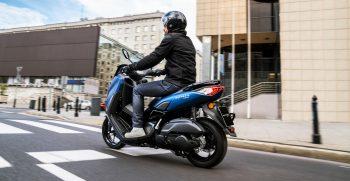 2021-Yamaha-G150-EU-Phantom_Blue-Action-003-03