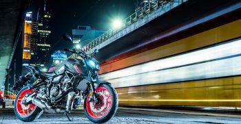 2021-Yamaha-MT07-EU-Storm_Fluo-Static-010-03
