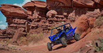 2021-Yamaha-YXZ1000ESS-EU-Racing_Blue-Action-001-03