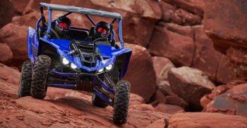 2021-Yamaha-YXZ1000ESS-EU-Racing_Blue-Action-005-03