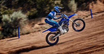 2021-Yamaha-YZ250F-EU-Icon_Blue-Action-010-03