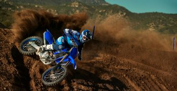 2021-Yamaha-YZ450F-EU-Icon_Blue-Action-003-03