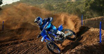 2021-Yamaha-YZ450F-EU-Icon_Blue-Action-009-03