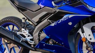 2021-Yamaha-YZF-R125-EU-Detail-003-03_Thumbnail