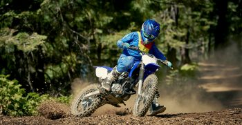 2019-Yamaha-TTR125LWE-EU-Racing_Blue-Action-001